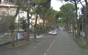 Scontro auto/moto in viale Santarosa. 32enne grave al Ceccarini