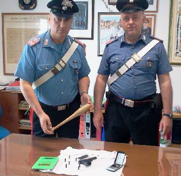 Pistola con la matricola abrasa in auto: Carabinieri arrestano 31enne