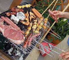 Il barbecue accende gli animi. Devono intervenire i carabinieri