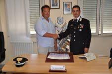 Trova 19.000 franchi in una busta, maresciallo del Vega li porta a Carabinieri
