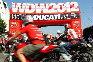 Record di presenze al World Ducati Week 2012
