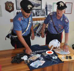Arrestati due spacciatori tunisini: erano cugini. Sequestrati 130 g di eroina