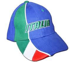 Ruba cappellino Italia e aggredisce negoziante bengalese. Arrestato napoletano