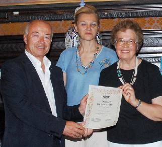 Un riconoscimento a Rosemarie Cecchini, suora impegnata per i diritti