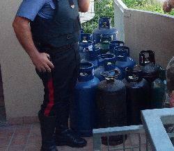 Paura in condominio. 57enne minaccia di far saltare il palazzo col gas