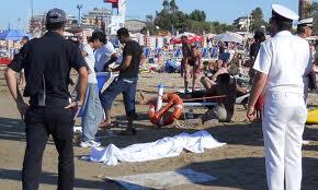 Malore fatale in acqua. Morte a Rivazzurra davanti al bagno 111