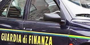 Blitz in stile Cortina della GdF. Scontrini irregolari in due negozi su tre