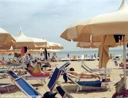 Forte calo di presenze in spiaggia. Per il Sib a giugno -30%, -20% a luglio