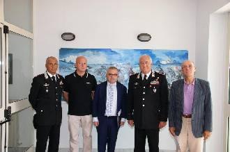 Il generale Iadanza in visita alla caserma dei CC. Plauso al lavoro dei militari