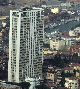 Grattacielo, domani un consiglio di condominio per cercare la rinascita