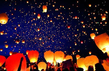 Giovedì tremila lanterne cinesi in cielo per aiutare i terremotati