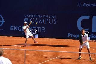 Tennis. San Marino Cepu Open: Filippo Volandri vola ai quarti