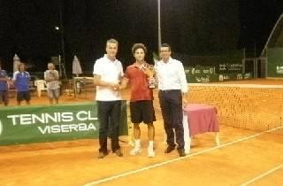 Lorenzo Cremonini vince il torneo Open del Tennis Viserba