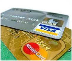 Spende 1.500 euro con carta di credito rubata. Arrestato marocchino
