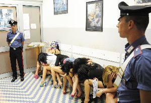 Controlli antiprostituzione. Carabinieri identificano 15 giovani lucciole