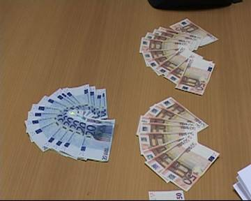 Pluripregiudicato evaso spendeva soldi falsi nei bar. Arrestato