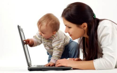 Errore su Facebook fa scattare la caccia alla mamma