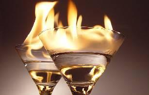 Ustionata per cocktail alla fiamma. Ragazza ne avrà per 20 giorni