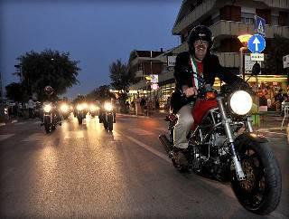 Il sindaco Giannini apre il Misano World Week End con una parata di moto