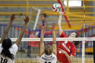 Volley donne. In amichevole Scozzoli Cervia-Viserba Volley 0-4