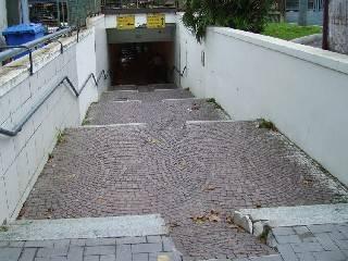 Rampe troppo ripide nel sottopasso, inutilizzabili per disabili e passeggini