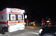 Frontale tra due auto in via Tavoleto. Muore 56enne, due feriti