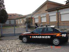 Carabinieri mettono in fuga ladri di grondaie a scuole elementari in via Ferrari