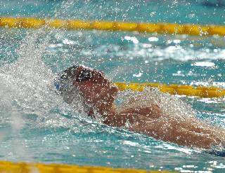 Nuoto. Trofeo Sette Colli: Sabbioni bronzo nei 50 dorso col personale