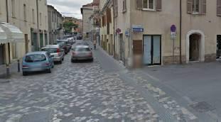 Scooter contro auto in via Clodia. 18enne grave al Bufalini