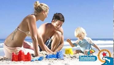 Castelli di sabbia. In spiaggia un concorso a premi per turisti