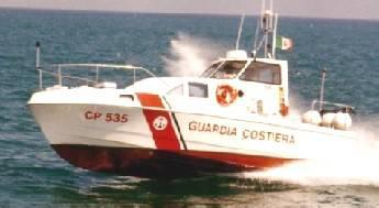 Sub in pericolo e natante in fiamme: duplice soccorso della Capitaneria