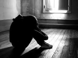 Violenta e mette incinta la figlia 13enne. Arrestato in Scandinavia