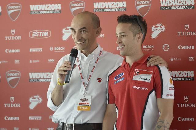 Claudio Domenicali saluta i ducatisti al WDW2014