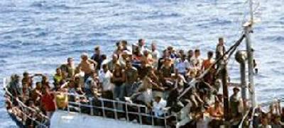 In arrivo con ponte aereo parte dei profughi da ultimi sbarchi in Sicilia