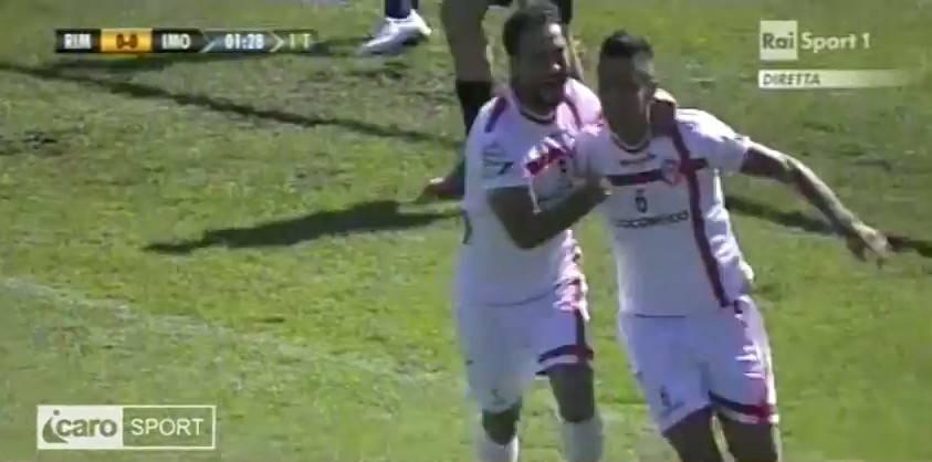 Roberto Di Maio festeggia il gol lampo