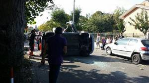 incidente in via Turchetta (foto inviata da Dario Panebianco coordinatore del gruppo Civivo della via)