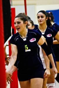 Elisa Scola saluta le avversarie