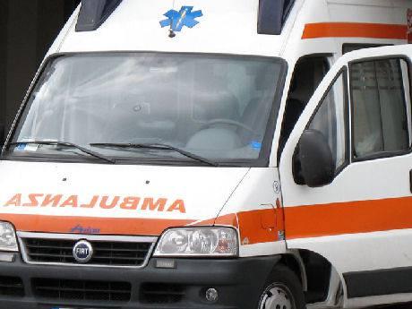 Auto contro motocarrozzetta a San Giovanni in M., un ferito