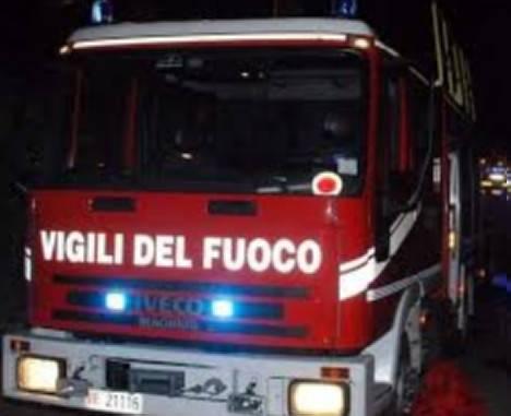 Roulotte a fuoco in zona Casetti, soccorso l'occupante