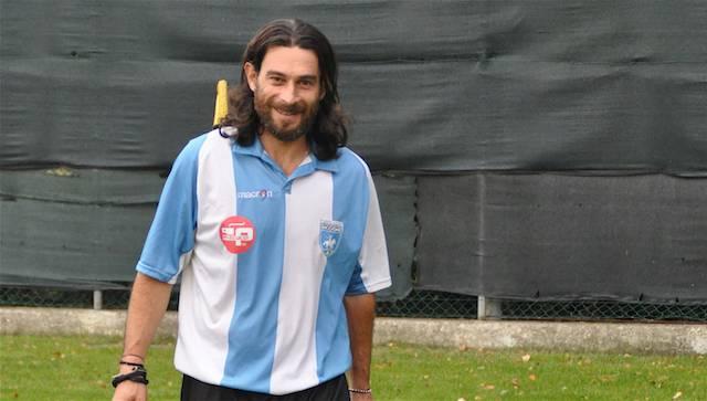 il capitano dell'Unione Calcio Riccione Gabriele Cardini (Epimaco Zangheri).