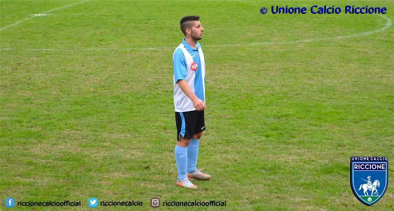 l'attaccante biancoazzurro Luca Cugnigni.