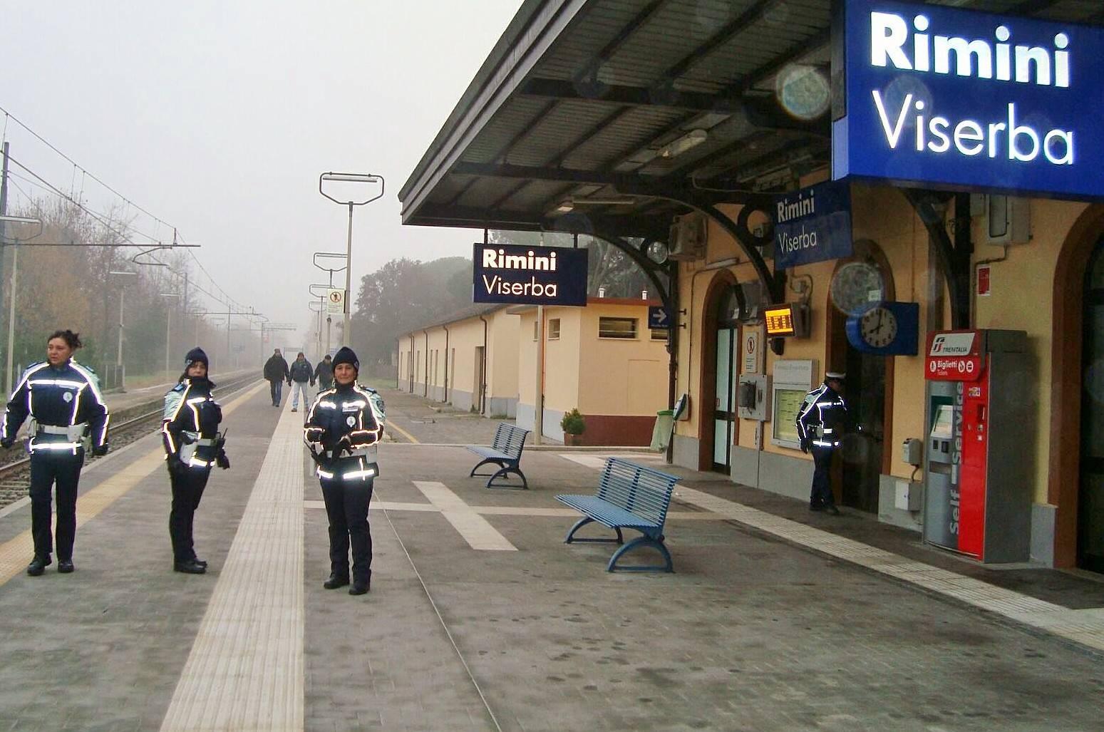 i controlli alla stazione di Viserba
