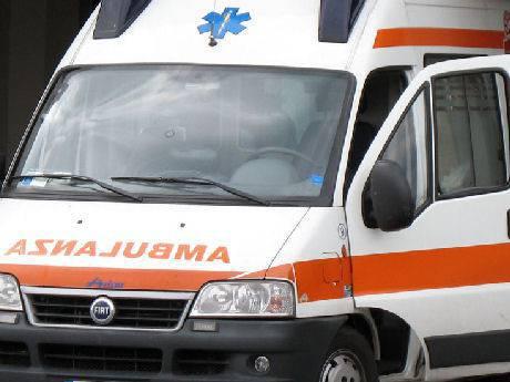 Tre feriti in scontro frontale a Casarola