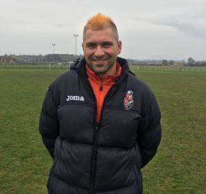 Il presidente dell'Athletic, Fabio Cameli, con la cresta arancione