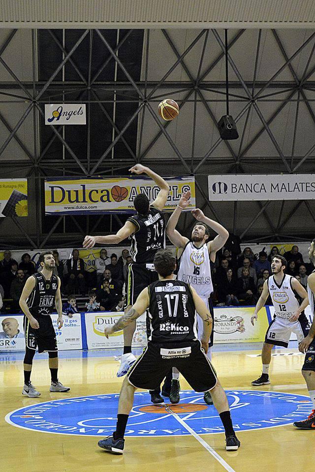 Dulca Santarcangelo-Faenza 83-76