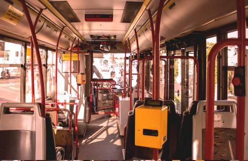 Ruba portafogli sul bus, fermato da Carabiniere fuori servizio