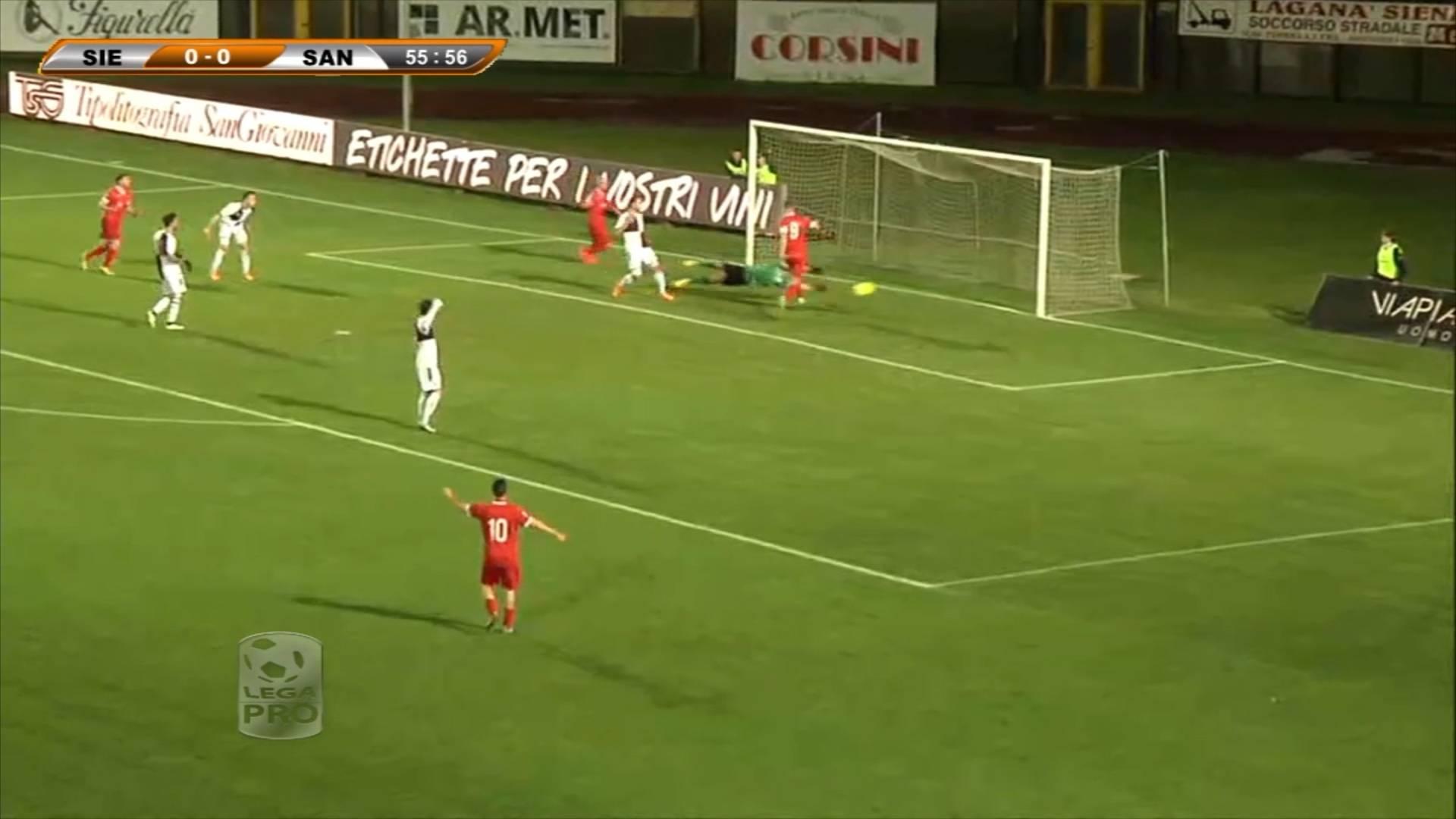Robur Siena-Santarcangelo 0-2