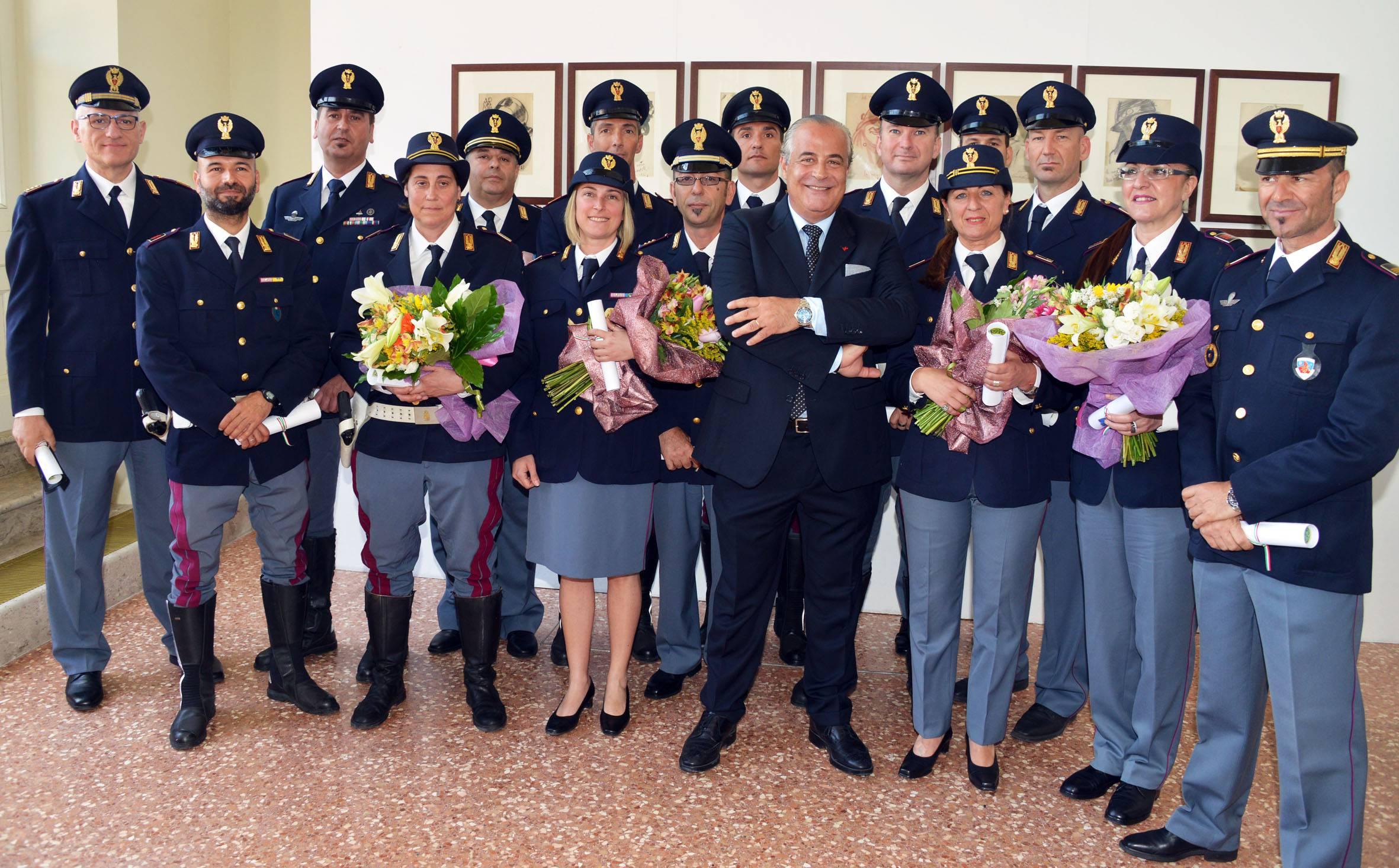 164 anniversario della fondazione della polizia di stato - Foto della polizia citazioni ...