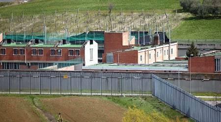 Aggressioni e tensioni in carcere, la denuncia del Sappe
