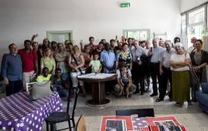 foto di gruppo per il Vescovo a Casa Gallo